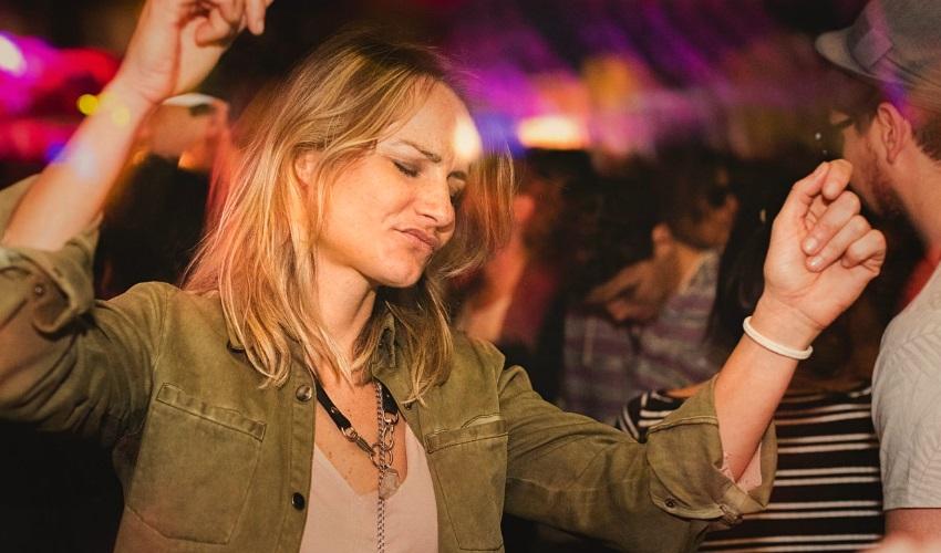 как познакомиться с девушкой в ночном клубе, как познакомиться с девушкой в клубе, как знакомиться в клубе, как знакомиться в ночном клубе, как знакомиться с девушкой в ночном клубе