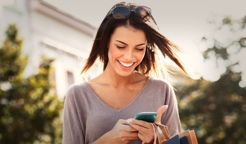 как развеселить девушку по смс, как переписываться с девушкой по смс, как развеселить девушку через смс, смс переписка, как писать девушке смс
